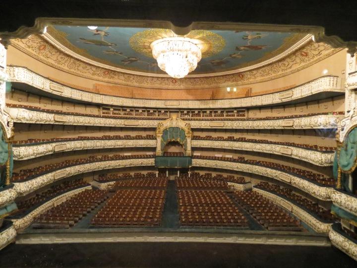 Le prestigieux théâtre Marrinsky à Saint-Petersbourg