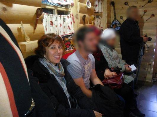Natacha Konovalova dans le cadre de son métier de guide touristique